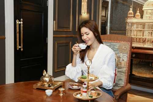 Enjoy Brunch and Tea-time in royal style