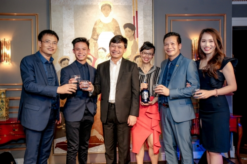 THE SHARK TANK – SEASON 2 WELCOME DINNER AT LE ROYAL SAIGON